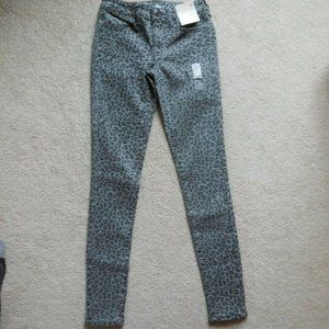 SO Low Rise Leopard Stretchy Twill Jeggings 1 Gray